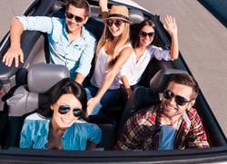 Mietwagen Auto Junge Leute