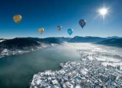 StefanSchiefer_Montgolfiade_Ballone_Bergpanorama_BW_Winter