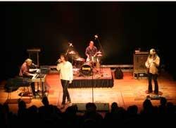 Jim Morrison und Band leben wieder auf