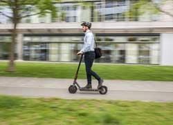 HUK-CO-PR-e-scooter_HAL3307-Druck